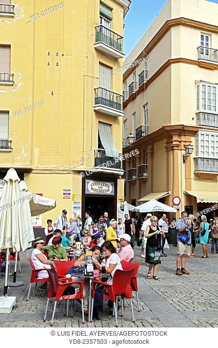 Plaza de la Catedral de Cadiz is a Spanish municipality, Spanish capital of the eponymous province, in the autonomous community of Andalusia