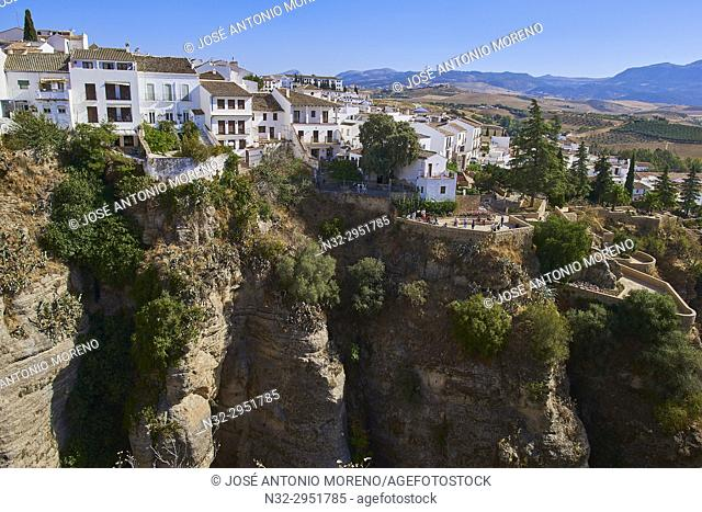 Ronda, Houses on Edge of El Tajo gorge, White Towns, Málaga province, Andalusia, Spain