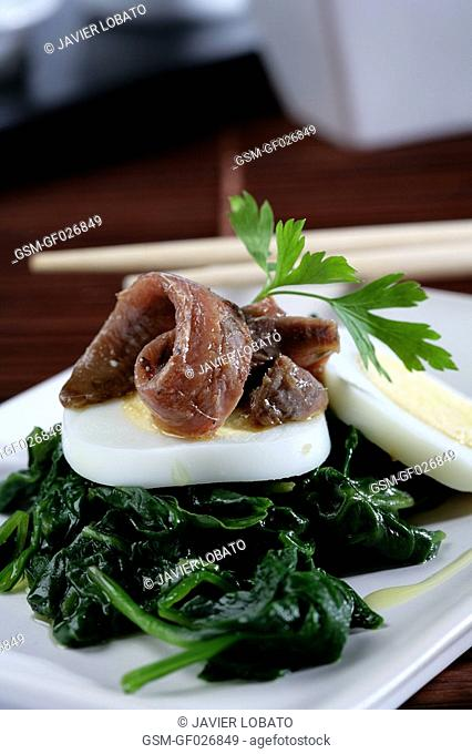 Spinachs with anchovies and hard-boiled eggs 2