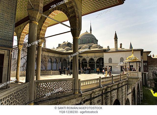 towards Baghdad Kiosk, topkapi palace museum, Istanbul, Turkey