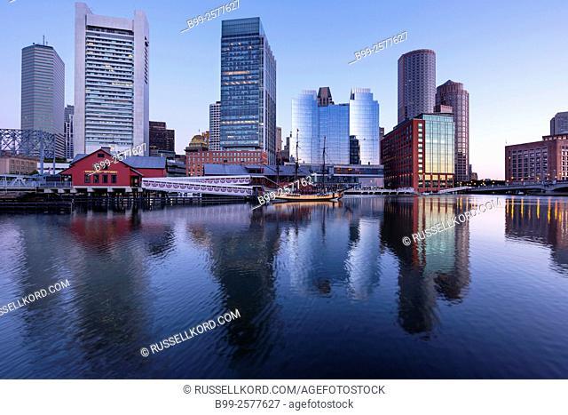 Atlantic Wharf Waterfront Fort Point Channel Skyline Inner Harbor South Boston Massachusetts Usa