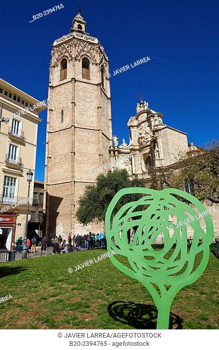 'Micalet' belfry and cathedral. Plaza de la Reina. Valencia. Comunidad Valenciana. Spain