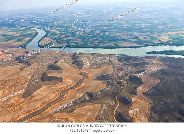 Los Monegros comarca  Agricultural designs  Ebro River  Agricultural landscape  Zaragoza Province, Aragon, Spain, Europe