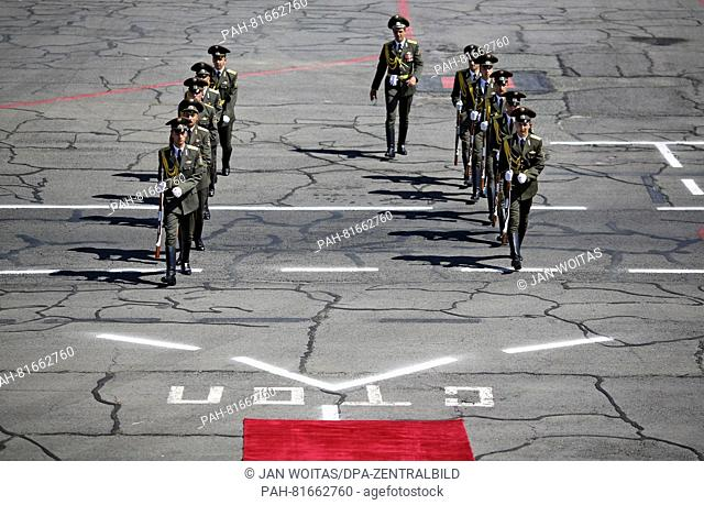 An Armenian guard of honor attends the departure of Gernman Foreign Minister Frank-Walter Steinmeier at the end of his visit to Yerevan, Armenia, 29 June 2016