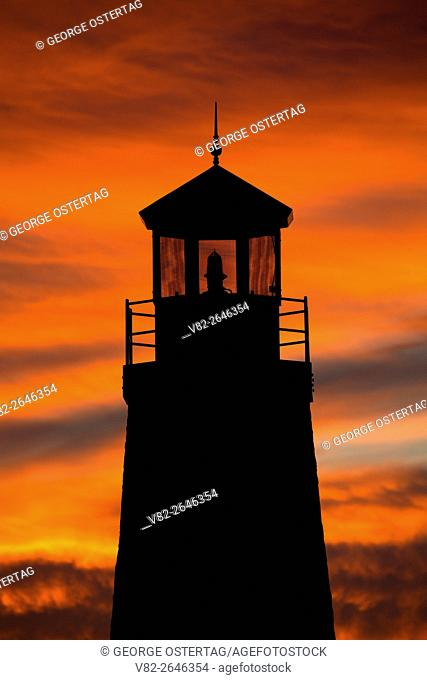 Gladstone Channel Lighthouse sunset, Van Cleve Park, Gladstone, Michigan