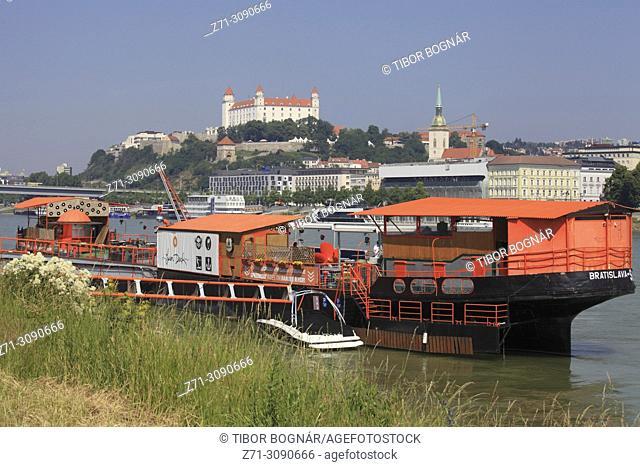 Slovakia, Bratislava, skyline, castle, Danube river, ships,