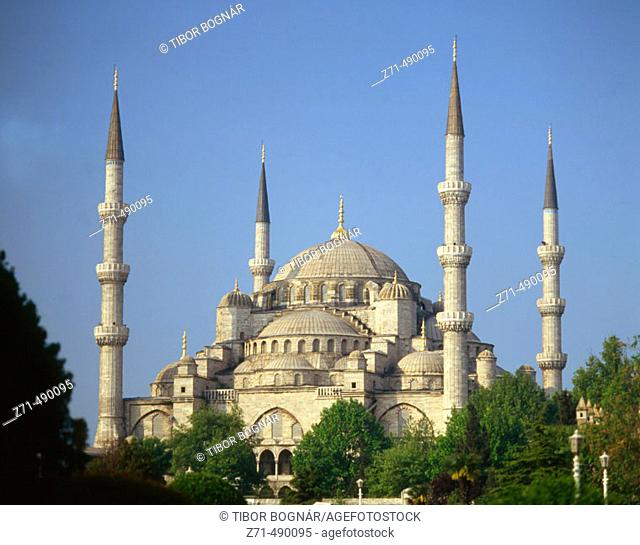 Sultan Ahmed Mosque (aka Blue Mosque), Istanbul. Turkey