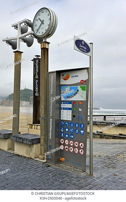 Zurriola Beach, district of Gros, San Sebastian, Bay of Biscay, province of Gipuzkoa, Basque Country, Spain, Europe