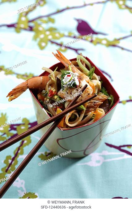 Fried noodles with prawns (Asia)