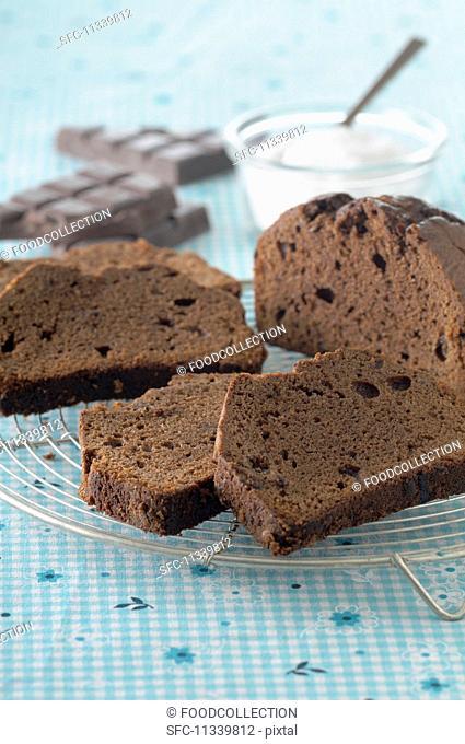 Chocolate cake on cake rack