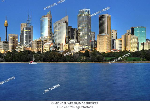Skyline of Sydney before sunrise, TV Tower, Central Business District, Sydney, New South Wales, Australia
