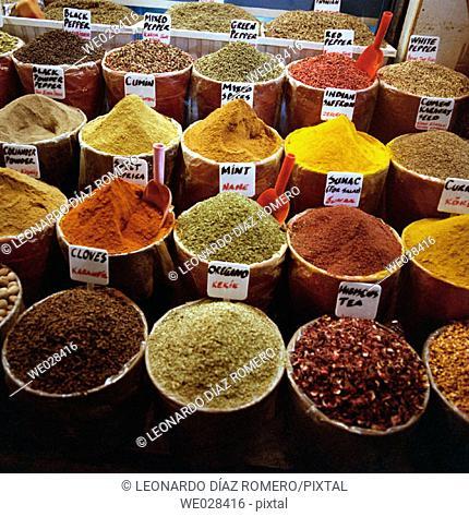 Spices stall. Taksim. Market. Istambul. Turkey