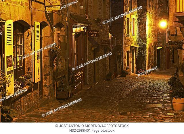 Dinan, Rue de Jerzual, Old Town, Dusk, Bretagne, Brittany, Côtes d'Armor Department, Chateulin distict, France