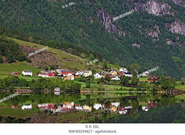 village Nesheim at lake Granvinvatnet, Norway, Nesheim
