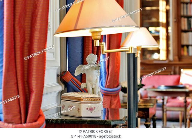 THE GRAND LOUNGE, CHATEAU DE CURZAY HOTEL, RELAIS ET CHATEAUX HOTEL, VIENNE 86, FRANCE