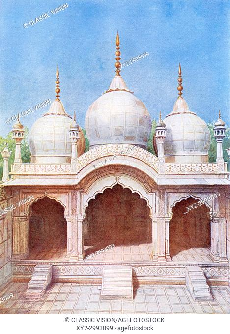 The Moti Masjid aka Pearl Mosque, a white marble mosque inside the Red Fort complex in Delhi, India, it was built by the Mughal emperor Aurangzeb from 1659-1660
