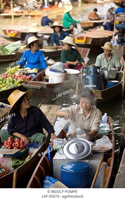 Market-women offering products at Floating Market, Damnoen Saduak, near Bangkok, Ratchaburi, Thailand
