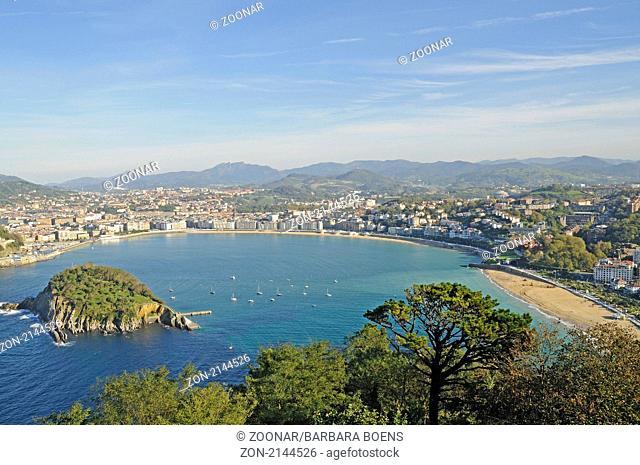 La Concha bay, Bucht, Santa Clara isle, Insel, San Sebastian, Pais Vasco, Basque Country, Baskenland, Spanien, spain