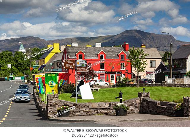 Ireland, County Kerry, Ring of Kerry, Sneem, Dan Murphy's Bar