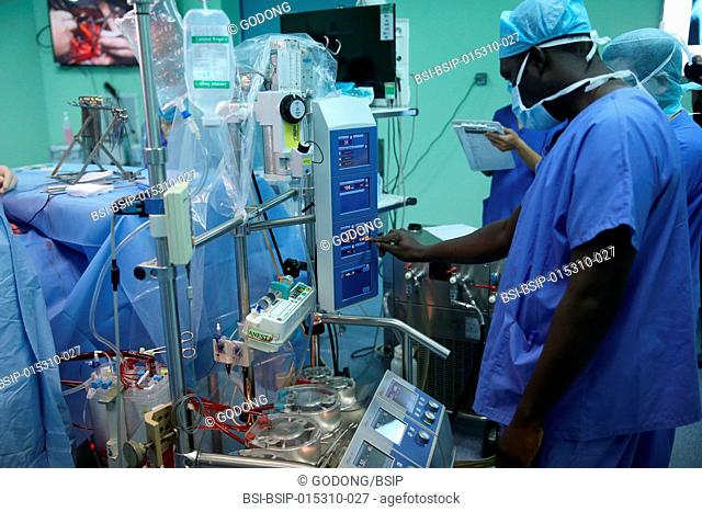 The Heart Institute offer high-quality care to Vietnamese patients suffering from heart diseases. Senegalese medical team trained to practice cardiac surgery