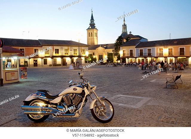 Plaza de Segovia, night view. Navalcarnero, Madrid province, Spain