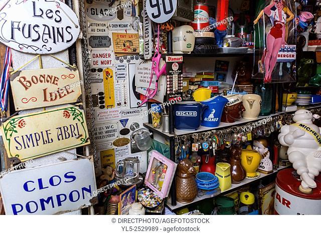 Paris, France, Vintage Bric a Brac on Display in Saint Ouen, French Flea Market, Porte de Clignancourt, Antiques