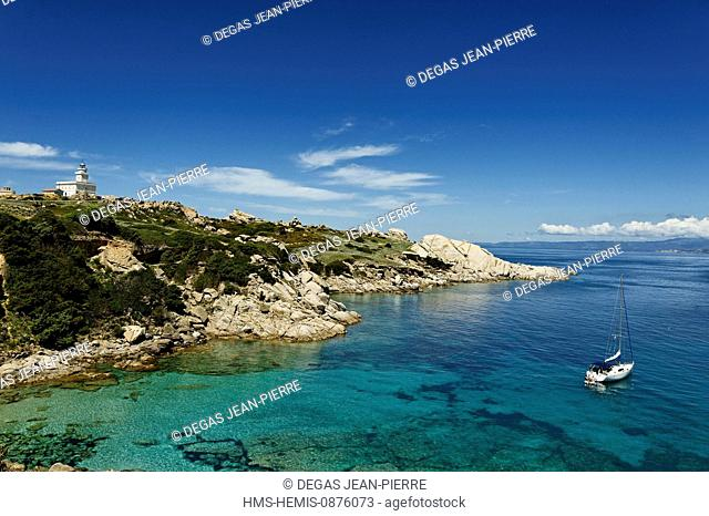 Italy, Sardinia, Olbia Tempio Province, Santa Teresa Gallura, Capo Testa, granite peninsula overlooking the Strait of Bonifacio facing Corsica