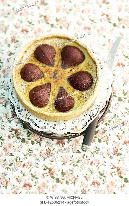Crème brûlée tart with pears