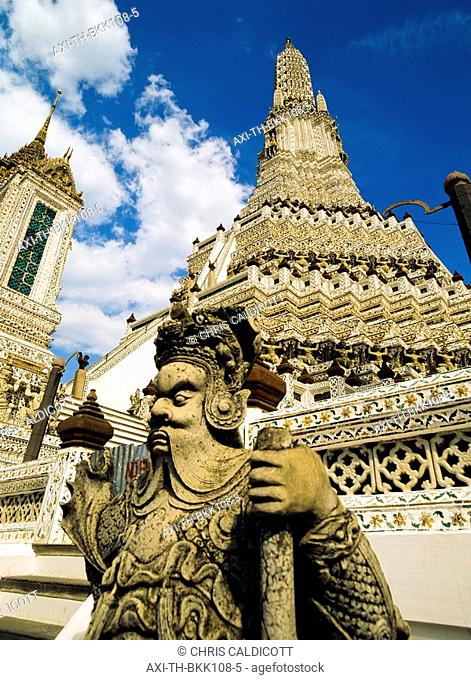 Statue at Wat Arun
