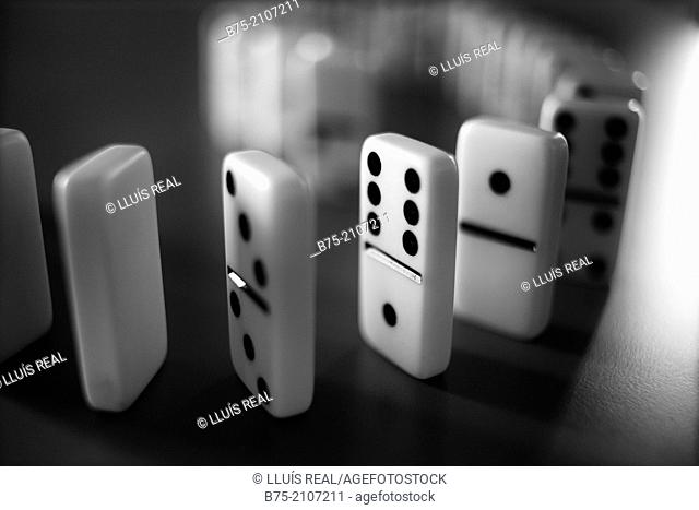 Group of dominoes in black and white