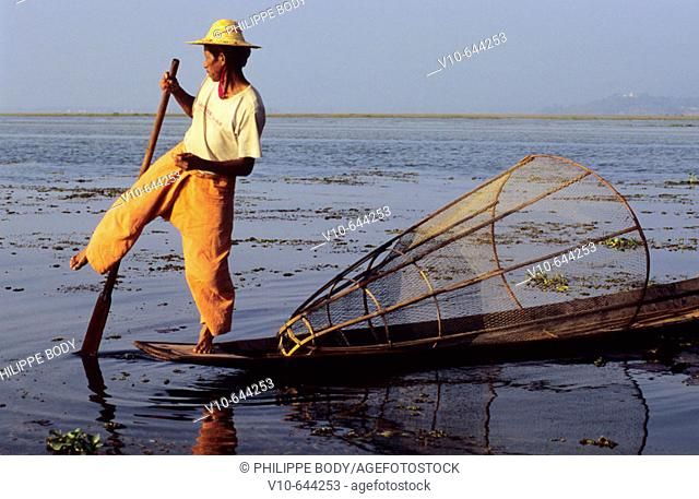 Fisherman of Intha ethnic tribe ,  Inle lake, Shan state, Myanmar