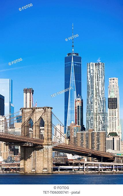 USA, New York State, New York City, Manhattan, Brooklyn Bridge with downtown skyline