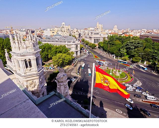 Spain, Madrid, Elevated view of the Plaza de Cibeles seen from the Cybele Palace