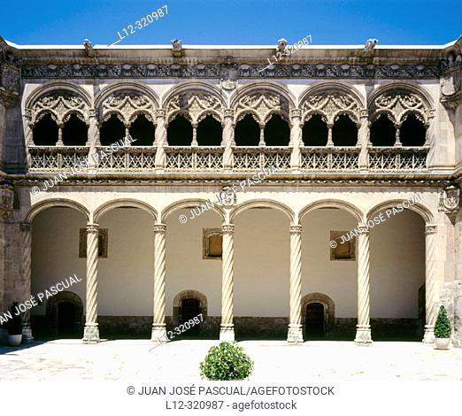 Plateresque cloister of Colegio de San Gregorio, now Museo Nacional de Escultura (National Museum of Sculpture). Valladolid, Spain