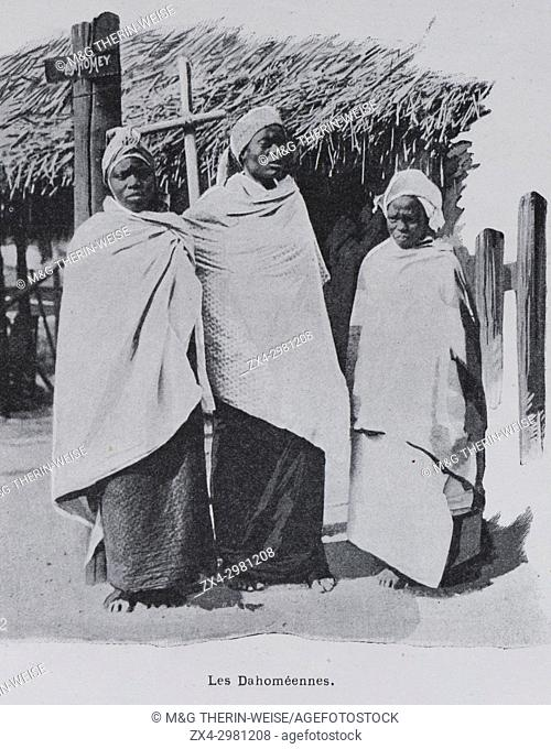 Women from the Dahomey, Women of the Universal Exhibition 1900 in Paris, Picture from the French weekly newspaper l'Illustration, 20th October 1900