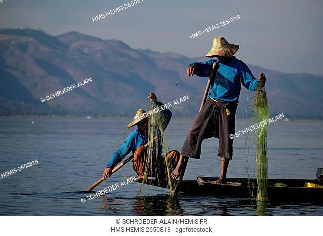 Myanmar, Lake Inle, Shan state, fishermen on Lake Inle
