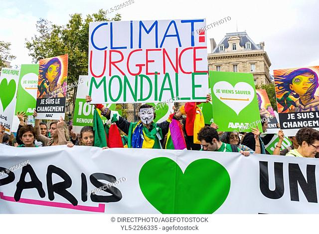 Paris, France, Public Demonstration, International Climate Change March in Paris, Crowd Holding Signs and Banners Against Global Warming