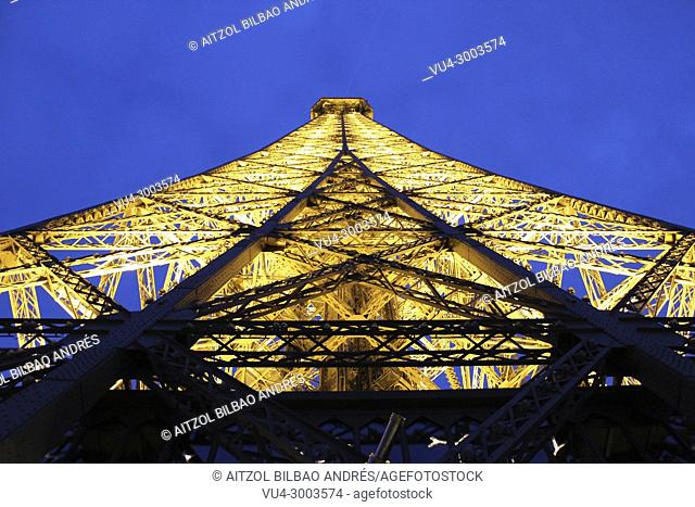 Eiffel tower at sunset, I love to travel to Paris, it is my favourite city in the world for the moment
