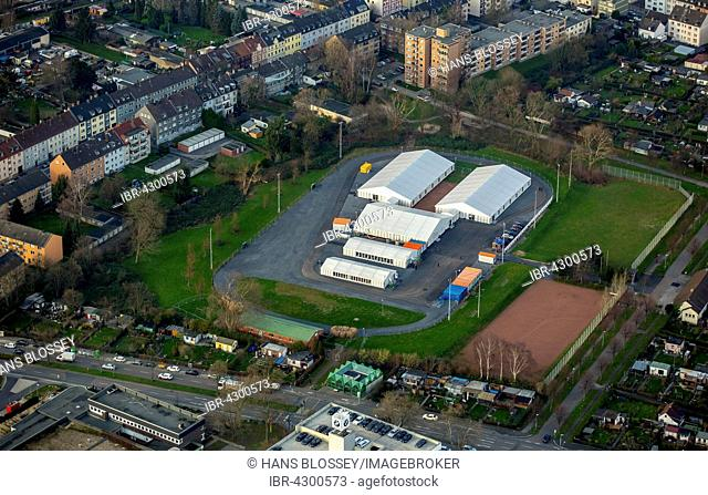 Refugee accommodation on former sports field, refugee tents, Erblohstraße, Essen, Ruhr district, North Rhine-Westphalia, Germany