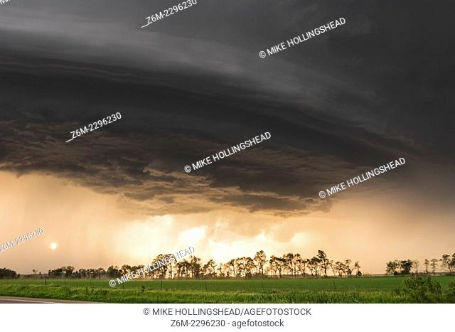 Sun shines under long-lived supercell moving across northeast Nebraska May 28, 2004, almost following highway 12 from Niobrara down to Sioux City perfectly