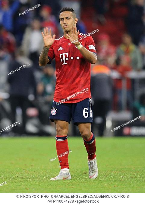 firo: 06.10.2018 Fuvuball, football: 1.Bundesliga Bayern Munich - Borussia Mv? nchengladbach, Thiago Alcantara, Bayern, Munich, Munich, full figure