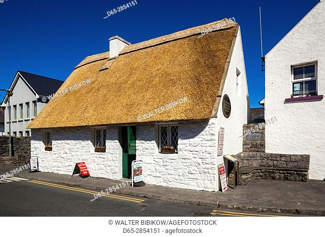 Ireland, County Galway, Cong, Quiet Man Cottage, replica of house used in the John Wayne film, The Quiet Man, exterior