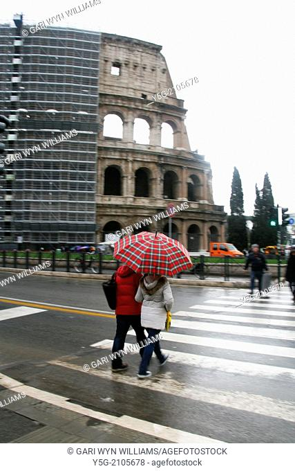 Rome Italy 22nd Jan 2014 Heavy rain by the Colosseum in Rome Italy