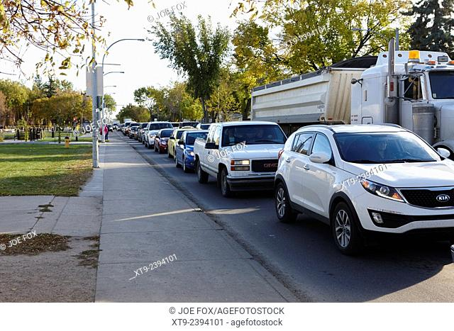 traffic building up in street at rush hour saskatoon Saskatchewan Canada