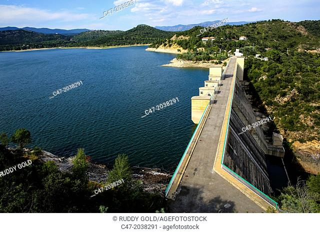 Catalunya, Spain, Girona province, l'Alt Empordá area, Boadella reservoir located on the Muga river, near Darnius, Catalonia, Spain
