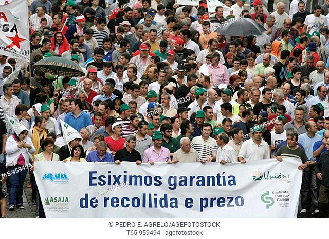 Farmers demonstrating on the streets of Lugo, Galicia, Spain