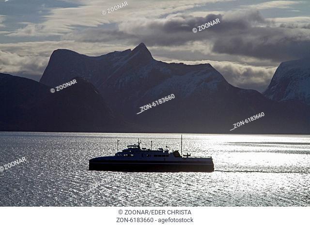 Tysfjord in backlight