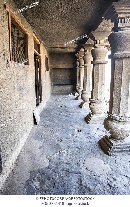 Cave 20, Pillared verandah with a niche on the right instead of a conventional cell, Nasik, Maharashtra