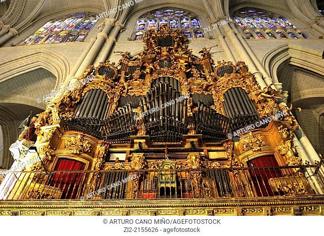 The Primate Cathedral of Saint Mary, Gothic, XIII-XV centuries, organ of choir, Toledo, Spain