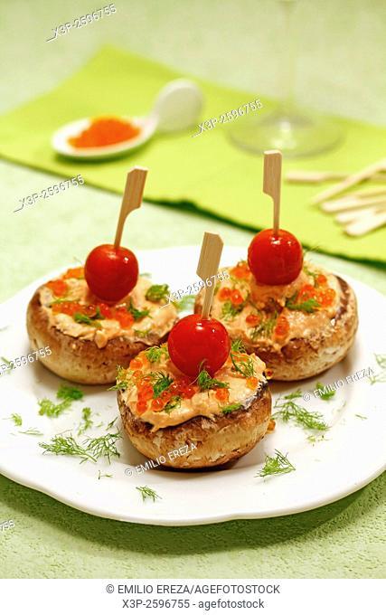 Mushrooms with salmon cream